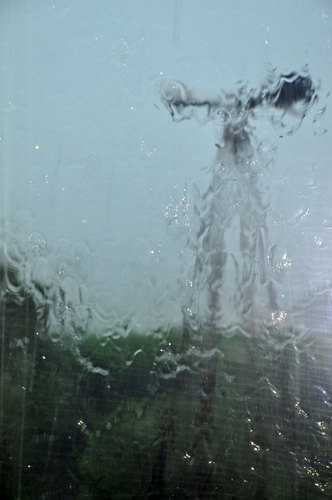 豪雨1500wb.jpg