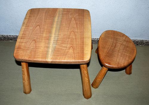 ケヤキ小卓椅子1wb.jpg